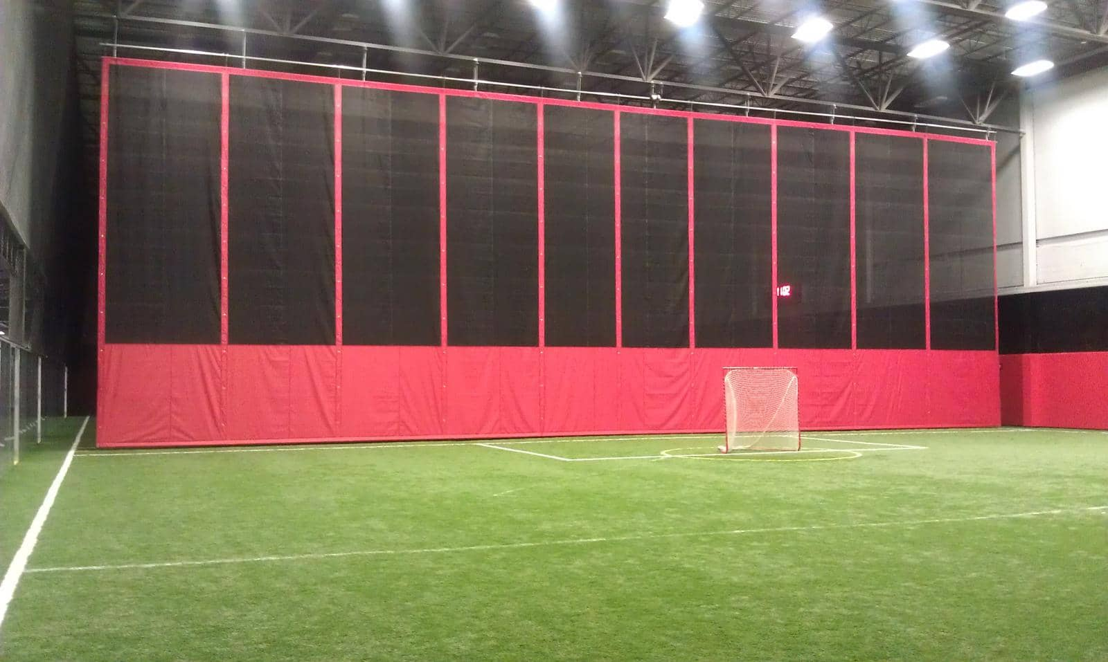 Artificial Surfaces for indoor Sport with Divider Curtains